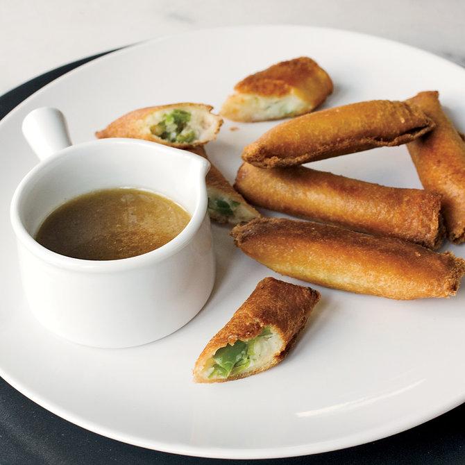200911-xl-mashed-potato-spring-rolls