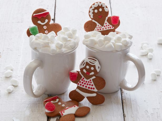 over the top cute christmas desserts