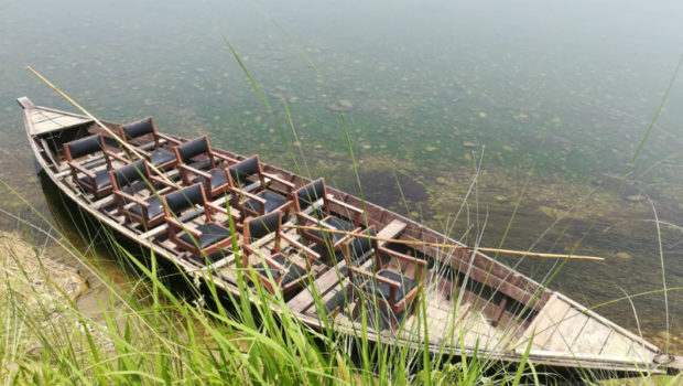 (Safari experience canoe. Image: Aniesia Williams)